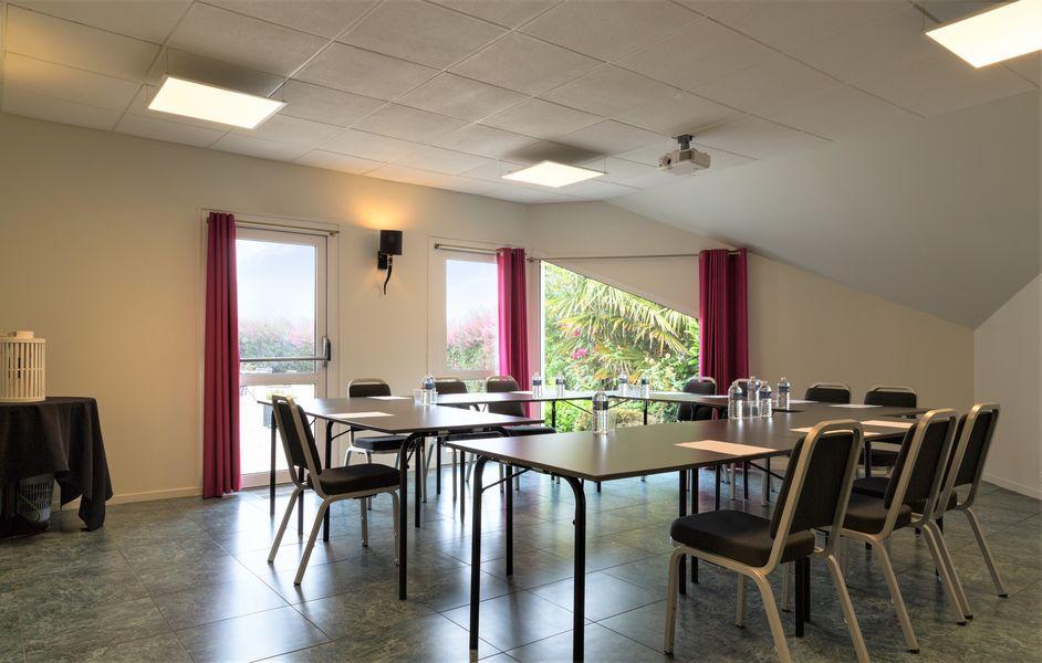 Hotel The OriginalsSaint-Brieuc Nord Au Chêne Vert Salle Légué
