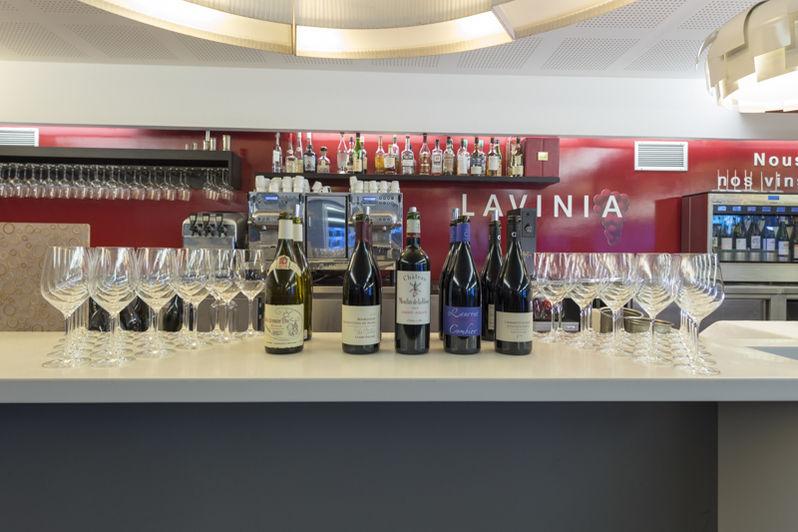 Lavinia Bar