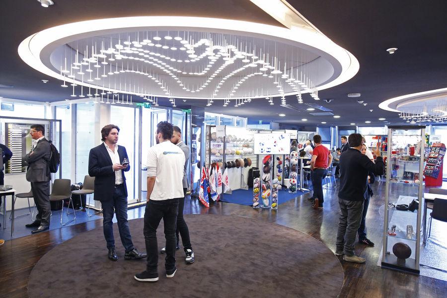 Parc des Princes Salon Concorde en format ateliers / Tribune Borelli