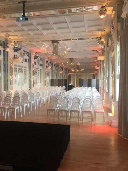 Salon des Miroirs Conférence théatre 100 pax
