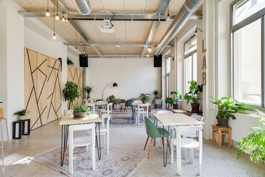 FAR, l'accélérateur de projets culturels  Le Lab - FAR espace conférence
