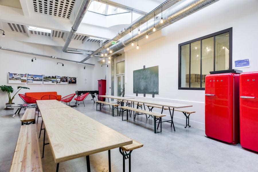 FAR, l'accélérateur de projets culturels  Patio - espace cocktail
