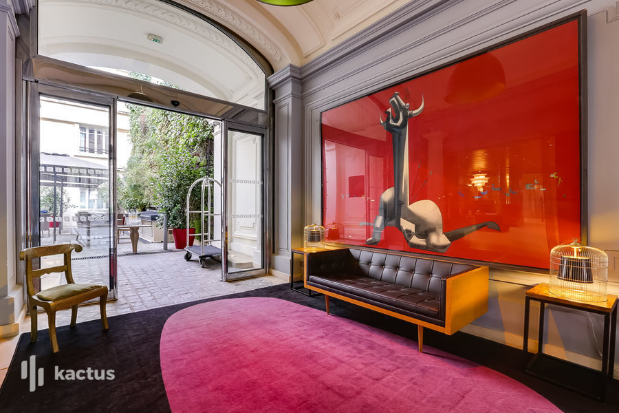 Hôtel Intercontinental Avenue Marceau ***** 84