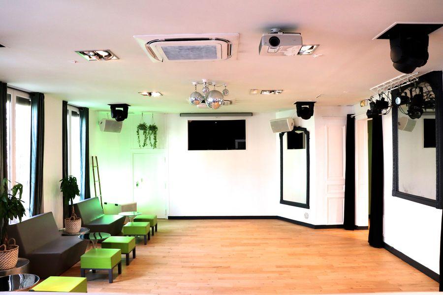 Salon Lafayette 14