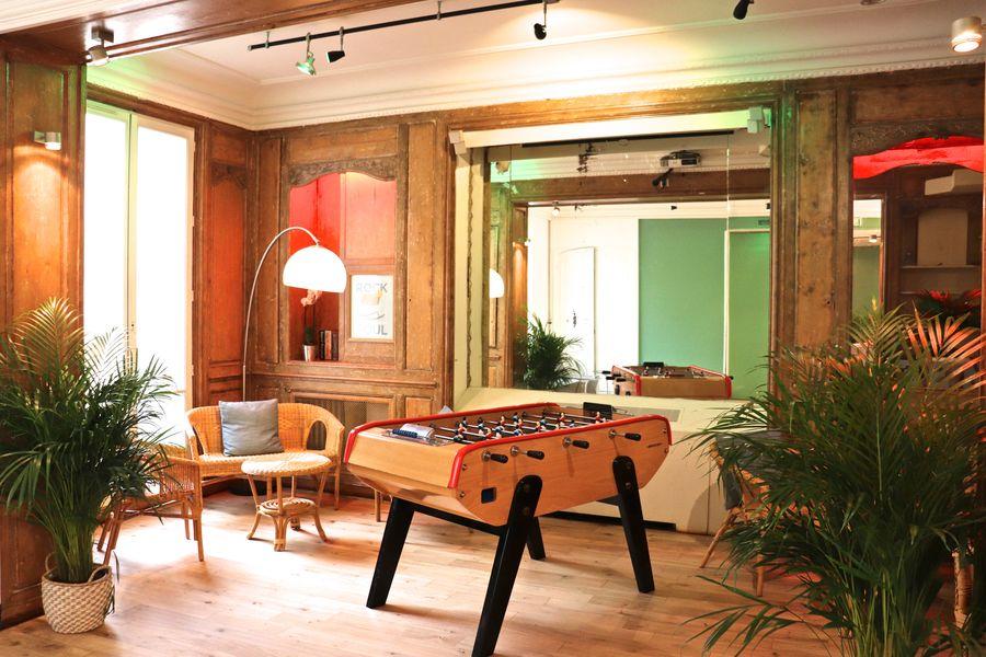 Salon Lafayette 23