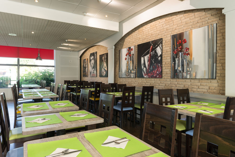 Hotel The OriginalsAlteora Poitiers Site du Futuroscope Salle de petit déjeuner