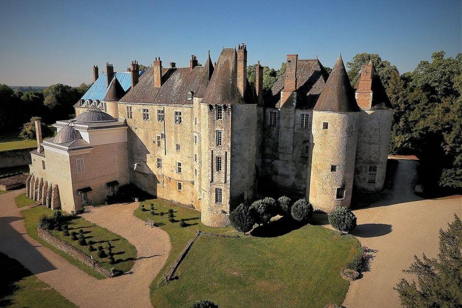 Château de Meung sur Loire Château de Meung sur Loire côté XIIIe