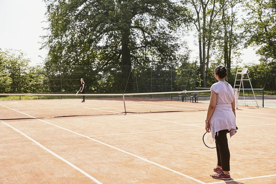 Château de Villiers-le-Mahieu 2 cours de tennis pour se challenger