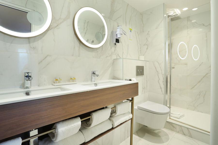 Hôtel Le Cheval Blanc Paris Marne La Vallée **** Salle de bain