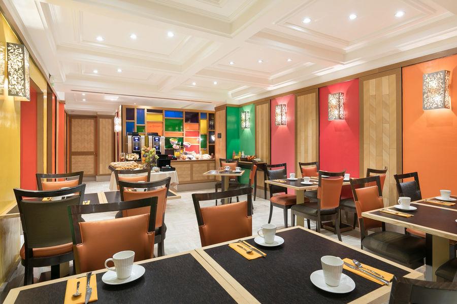 Le Cardinal Hotel By HappyCulture  Salle de petit déjeuner