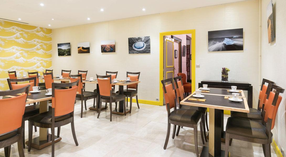 Le Cardinal Hotel By HappyCulture  SALON CARDINAL, petit déjeuner