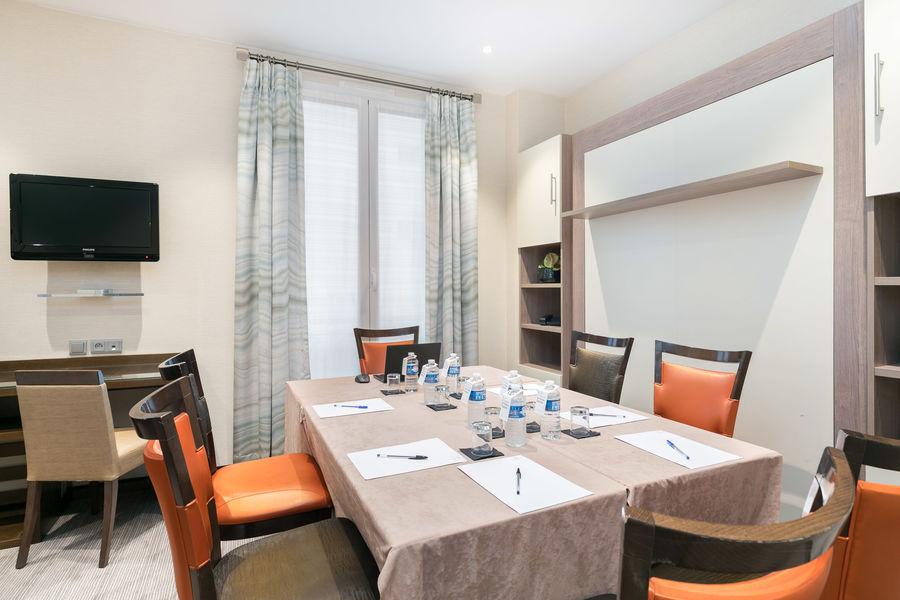 Le Cardinal Hotel By HappyCulture  Chambre Privative pour petite réunion