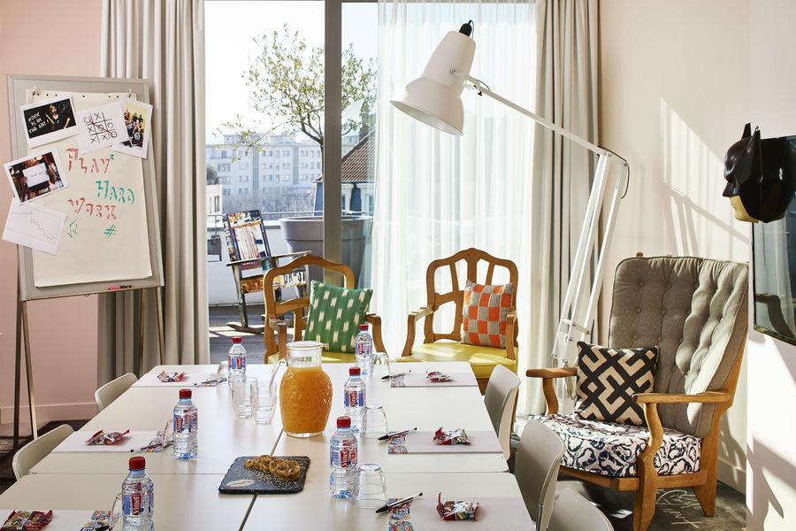 Mama Shelter Lyon Suite Salon avec magnifique terrasse privative