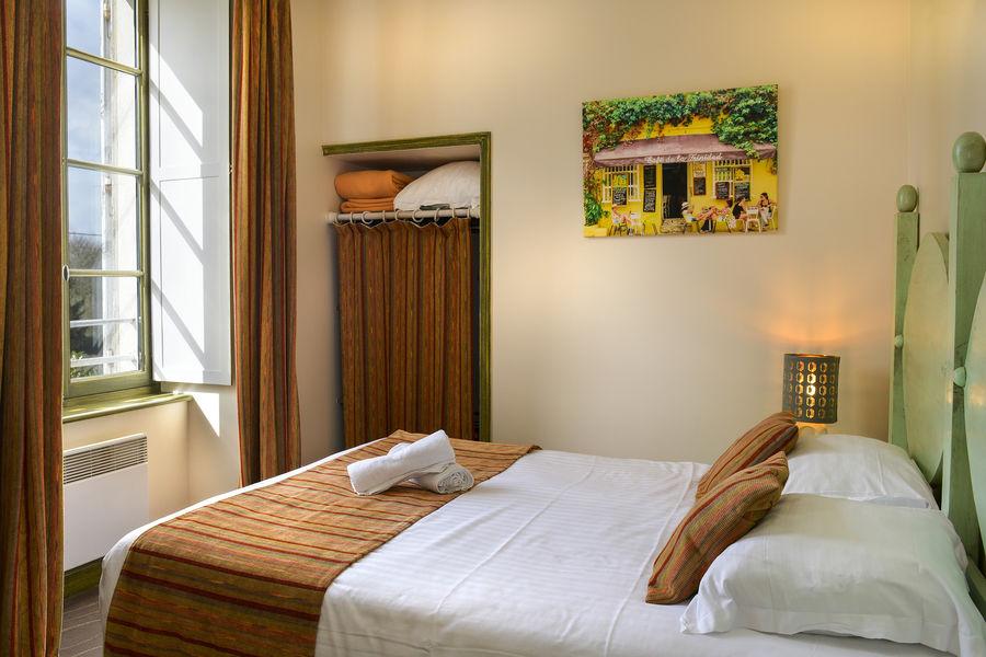 Hotel The Originals Domaine des Thômeaux 28