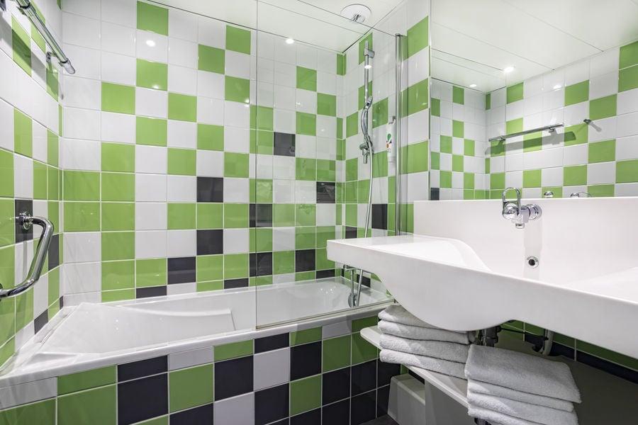Ibis Styles Avignon Sud *** Salle de bain