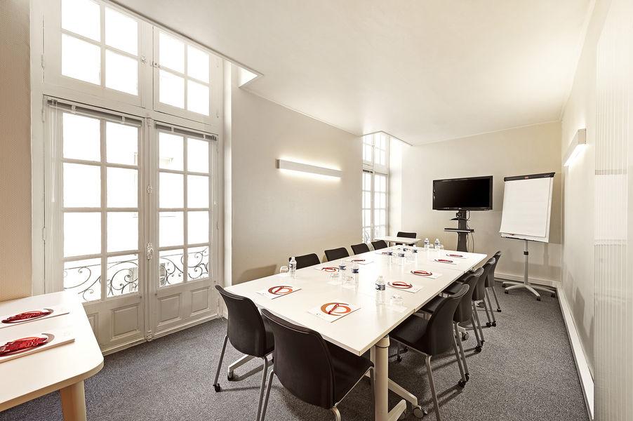Baya Axess Nantes Salle 20m2, disposition en réunion
