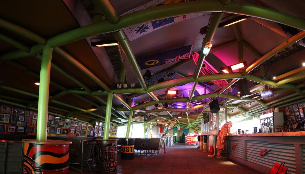 Café Oz Rooftop Salle Turtle