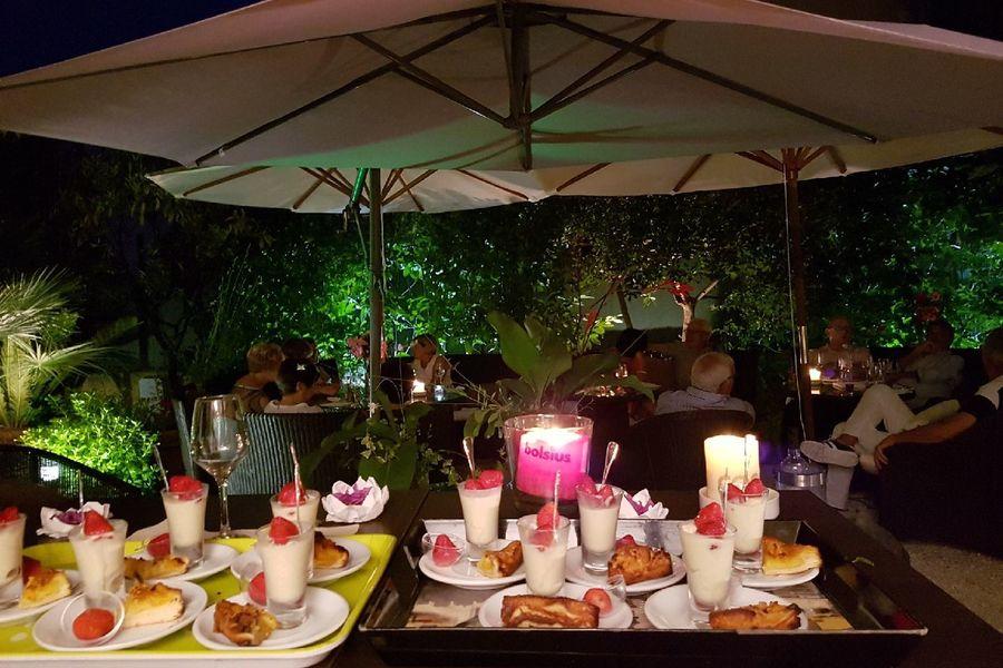 Hôtel Idéal Séjour Cocktail au Jardin