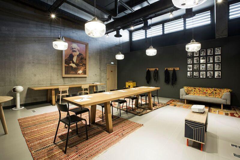 Mob Hotel - Lyon Confluence La Kolkhozita - 1