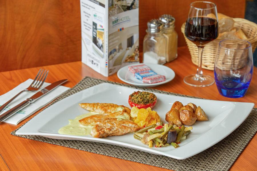 Brit Hotel Saint Malo - Le Transat *** Plat du jour restaurant