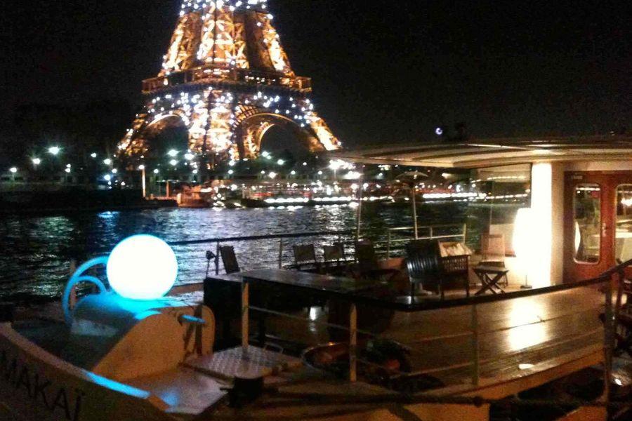 La Péniche Eiffel Pont extérieur