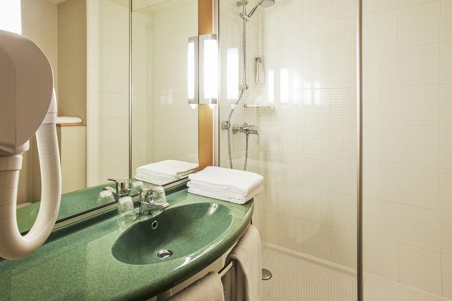 Ibis Lyon Est Bron *** Salle de bain