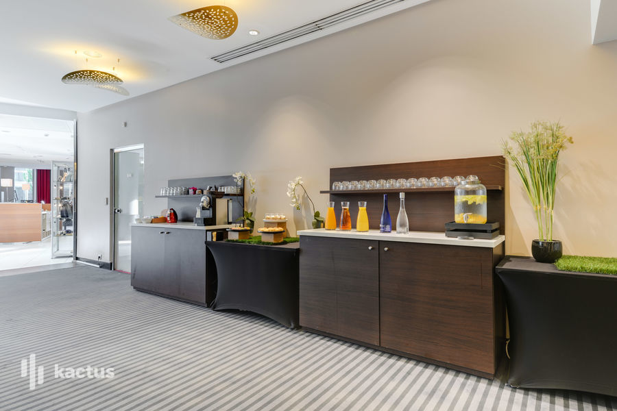 Holiday Inn Paris - Porte De Clichy **** 16