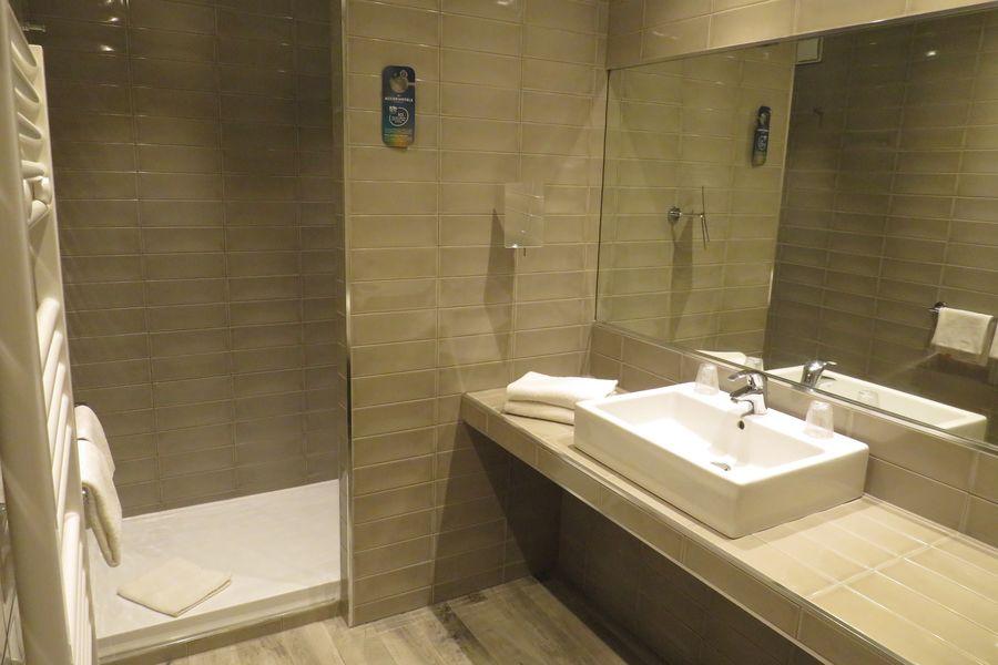 Mercure Brignoles Golf de Barbaroux Hotel **** Salle de bain chambre classique