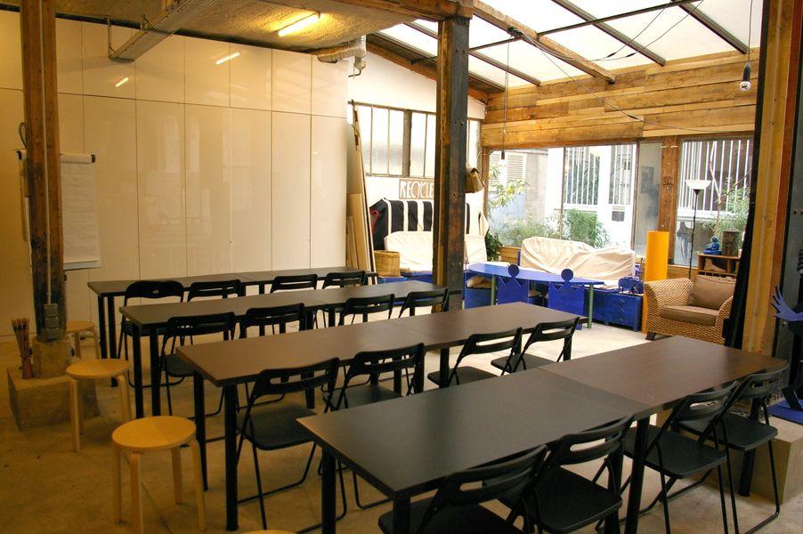 Atelier Fil Rouge  Aménagement classe-Conférence/40 pers