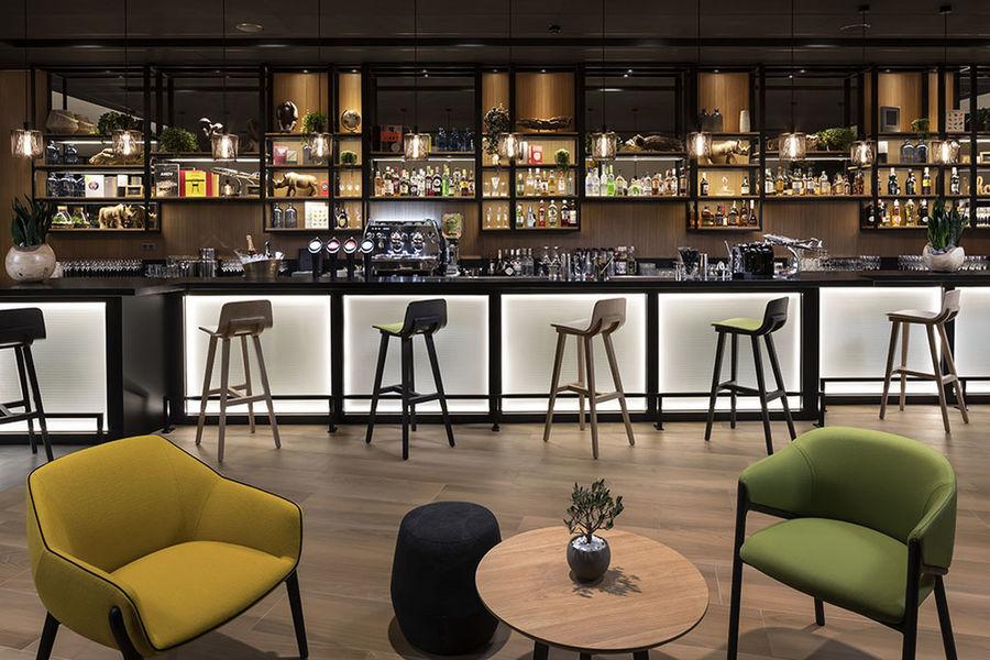 Innside by Melia Paris Charles de Gaulle Bar Olivine