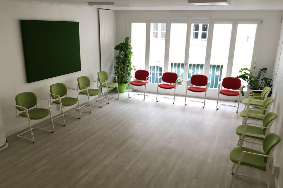 Salons 8ème Sens - Angers Béclard Salle verte - configuration débat