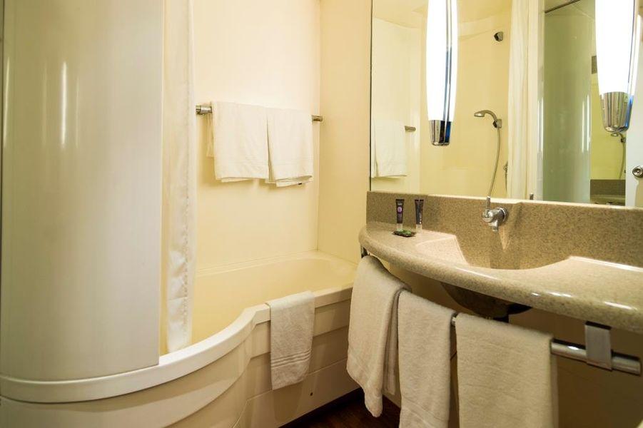 Novotel Metz Amnéville **** Salle de bain avec baignoire