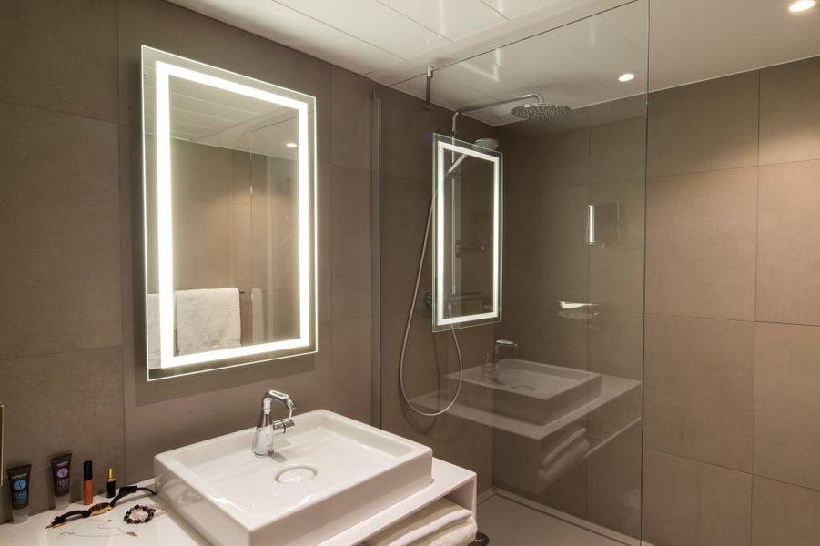 Novotel Metz Amnéville **** Salle de bain avec douche