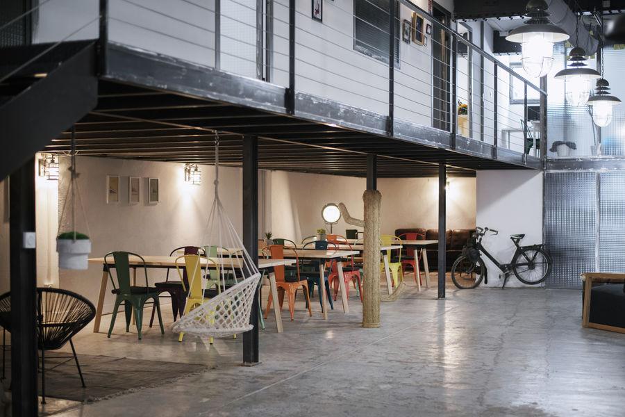 Bureaux & Co La Station Salle 250 m² divisible avec terrasse et cuisine