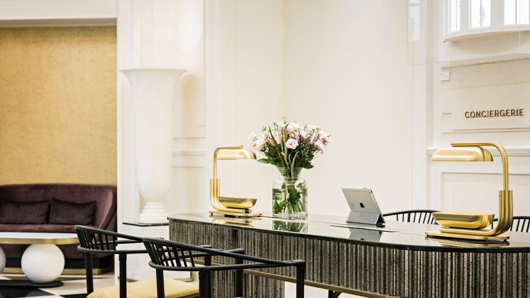 Le Scribe Paris  concierge desk