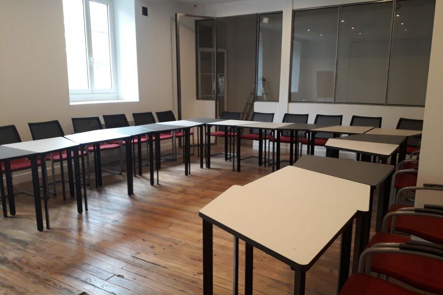 Ô Local Salle de conférence - 60 personnes - Tables en U