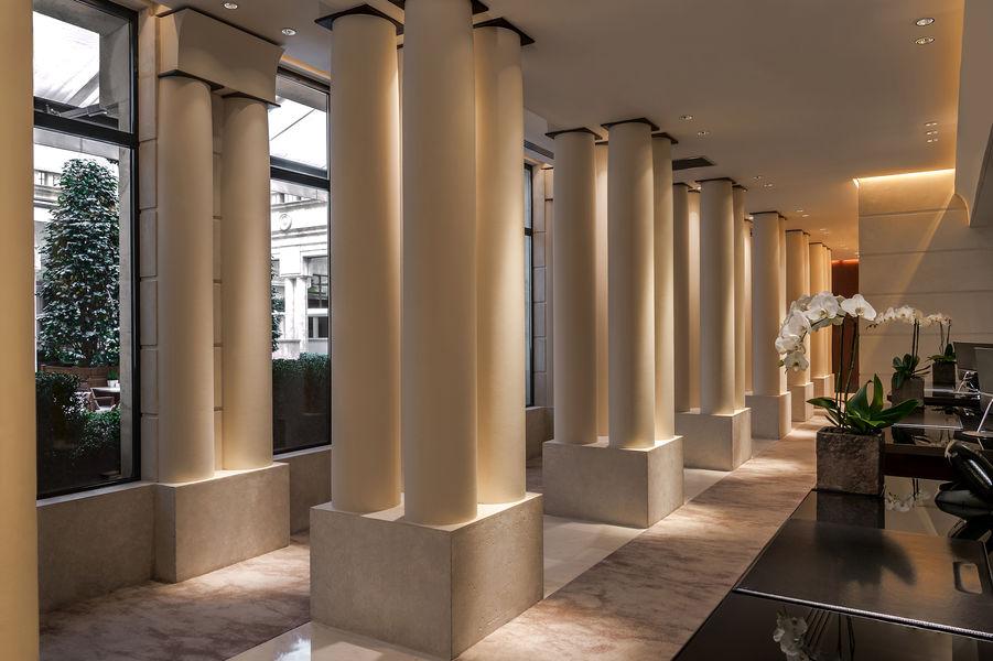 Park Hyatt Paris-Vendôme ***** Front Desk