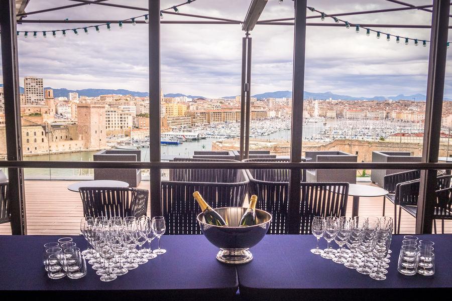 Sofitel Marseille le Vieux Port ***** Cocktail en salon privatif