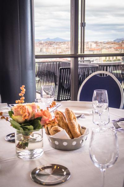 Sofitel Marseille le Vieux Port ***** Repas en salon privatif