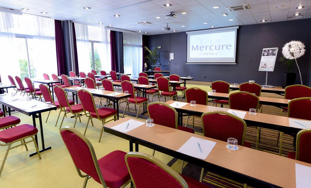 Mercure Beaune Centre **** salle de séminaire - Format CLASSE