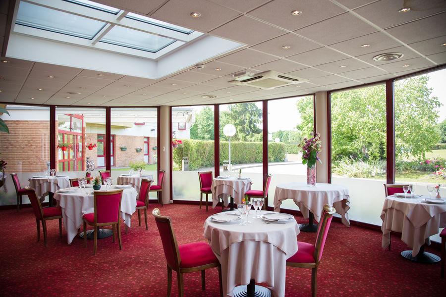 Hôtel Mercure Lyon L'Isle d'Abeau **** Restaurant traditionnel La Belle Epoque