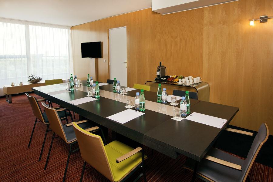 Residhome Suites Paris Senart **** Sous-commission Prestige
