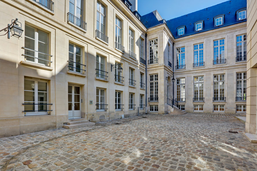 L'Hôtel Beau Brun Deskeo Beaubrun - Cour intérieur