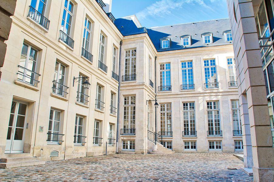 L'Hôtel Beau Brun Deskeo Beaubrun - Cour intérieure