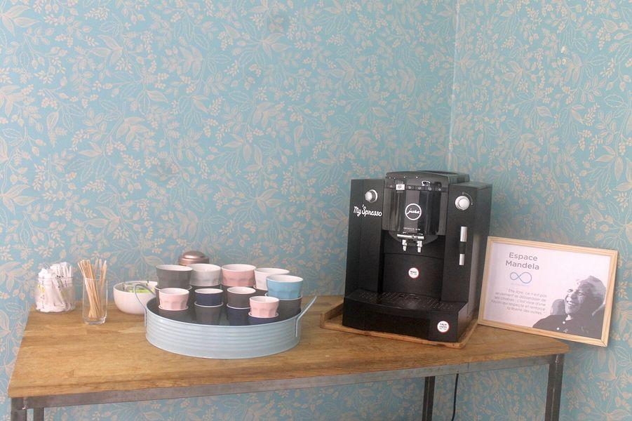 Be Coworking - La Jonquière Salle Mandella : Espace café et thé à volonté