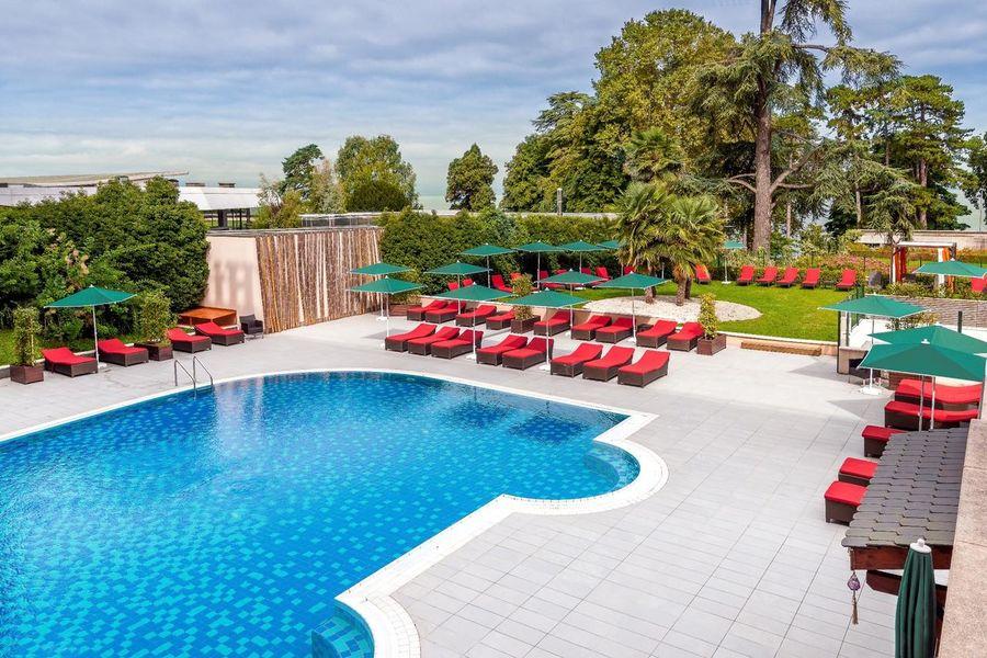 Hilton Evian-Les-Bains Piscine extérieure