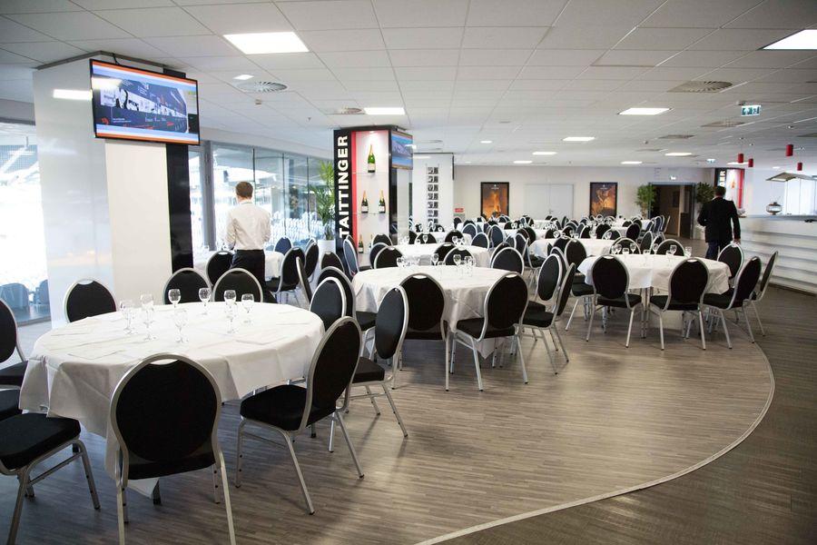 Stade Pierre-Mauroy Diner ou déjeuner / Salon avec vue panoramique sur le stade