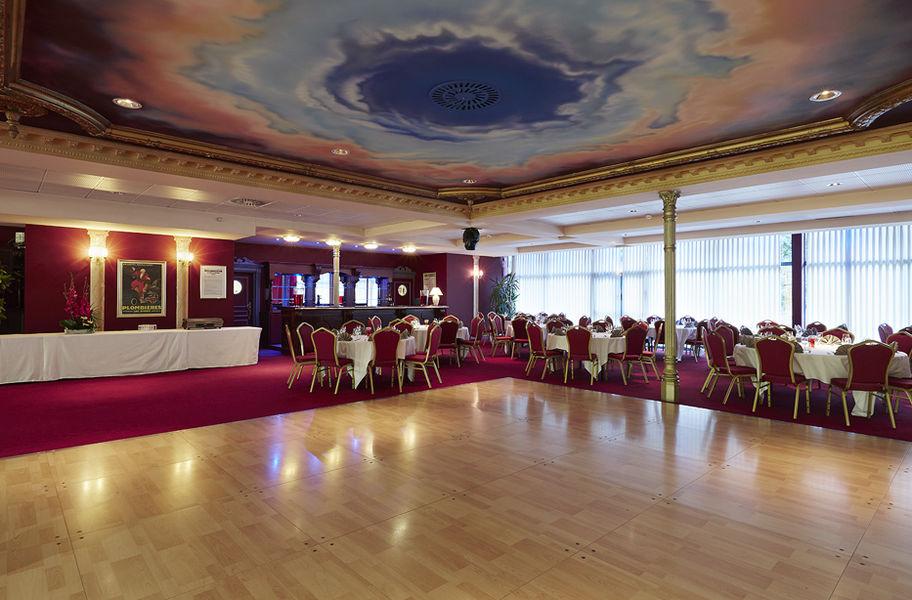 Casino - Plombières les Bains Salon Impérial et sa piste de danse
