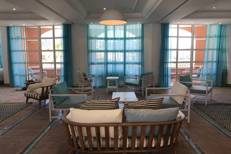 Cap Esterel - Pierre & Vacances réception hotel suite