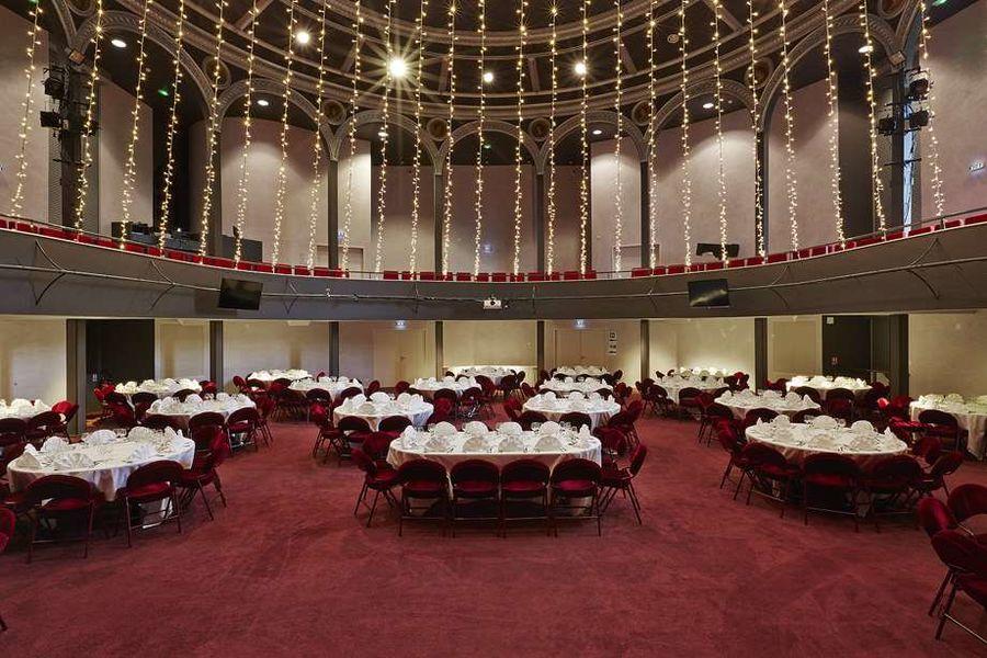 Casino De Royat Salle Théâtre - Format tables rondes